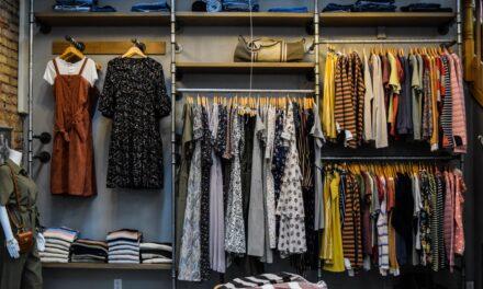 Moda może być eko. Sprawdź, jakich tkanin unikać, aby chronić środowisko